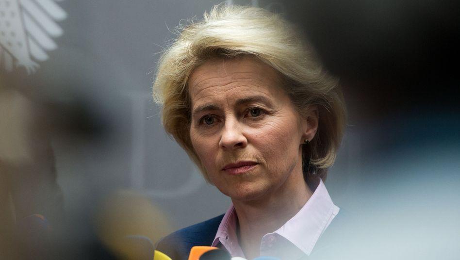 """Verteidigungsministerin von der Leyen (Archivbild): Weiß seit August von der Prüfung durch """"VroniPlag"""""""