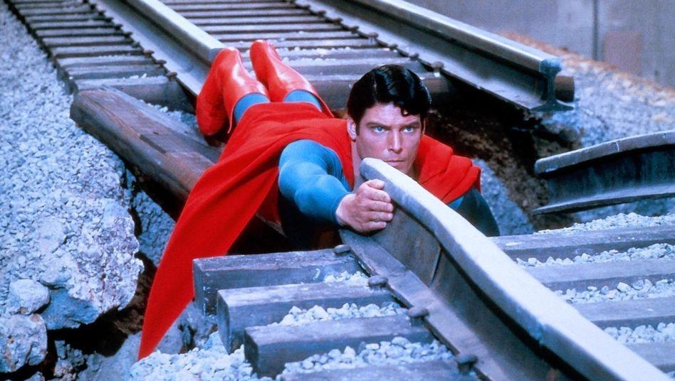Schauspieler Christopher Reeve in seiner Rolle als Superman im gleichnamigen Film von 1978
