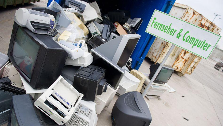 Entsorgte Bildschirme und Drucker: Unterhaltungselektronik fliegt schnell raus