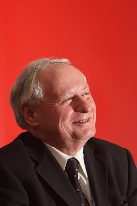 """Linker Lafontaine: """"Monopolpreise und Abzockerei"""""""