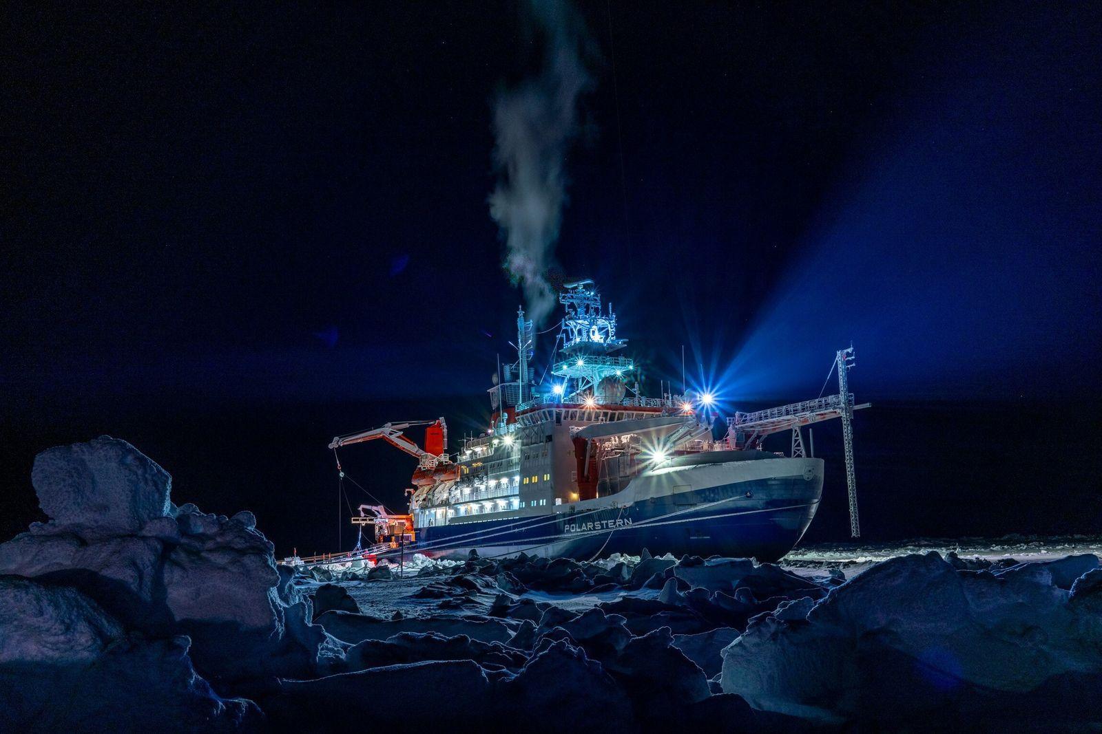 """Erste Erkenntnisse der Polarstern-Expedition """"Mosaic"""""""