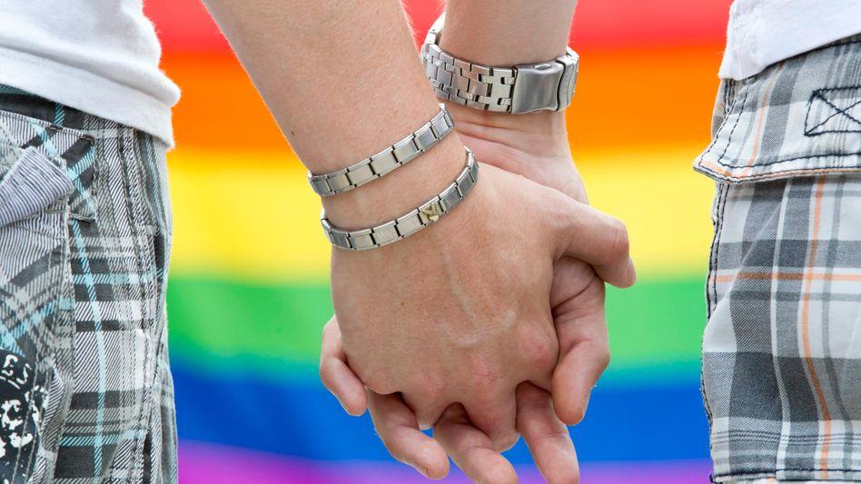Homo-Ehe: Kabinett beschließt Gesetz für Ehegattensplitting