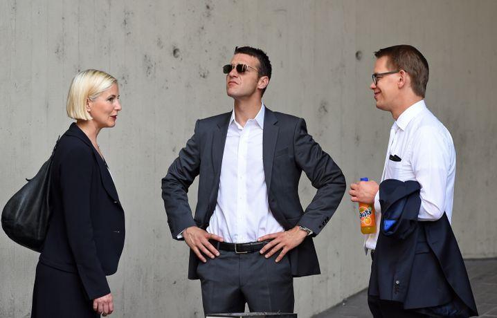 Anwälte Anja Sturm, Wolfgang Stahl und Wolfgang Heer (Juli 2015)