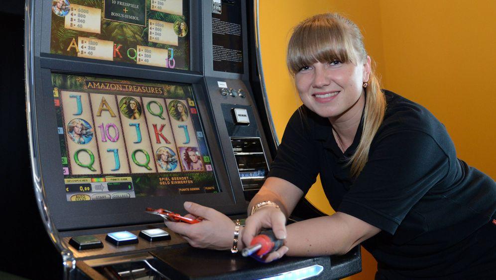 Automatenfachleute: Glücksfee in der Spielhölle