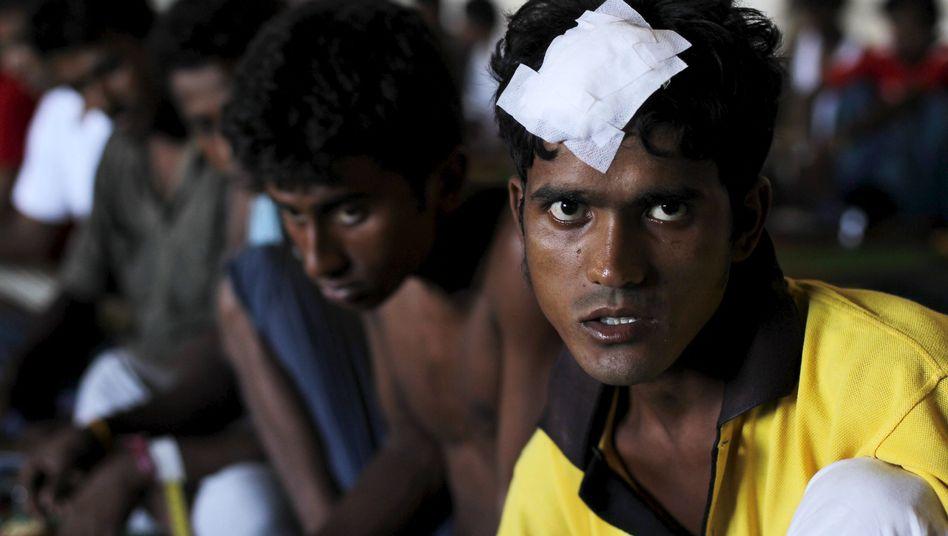 Verletzte Bootsflüchtlinge im indonesischen Kuala Langsa: Kämpfe an Bord