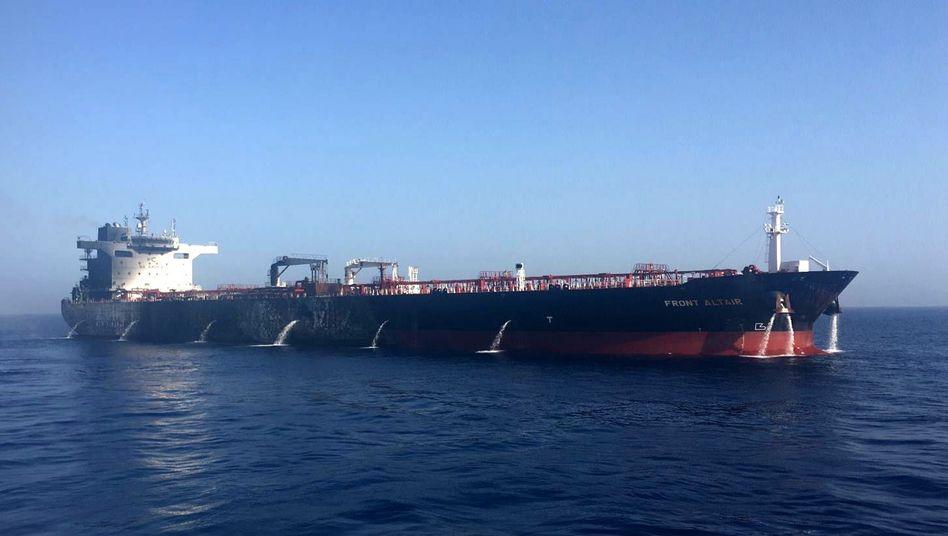 Norwegischer Öltanker: Das Feuer ist mittlerweile gelöscht
