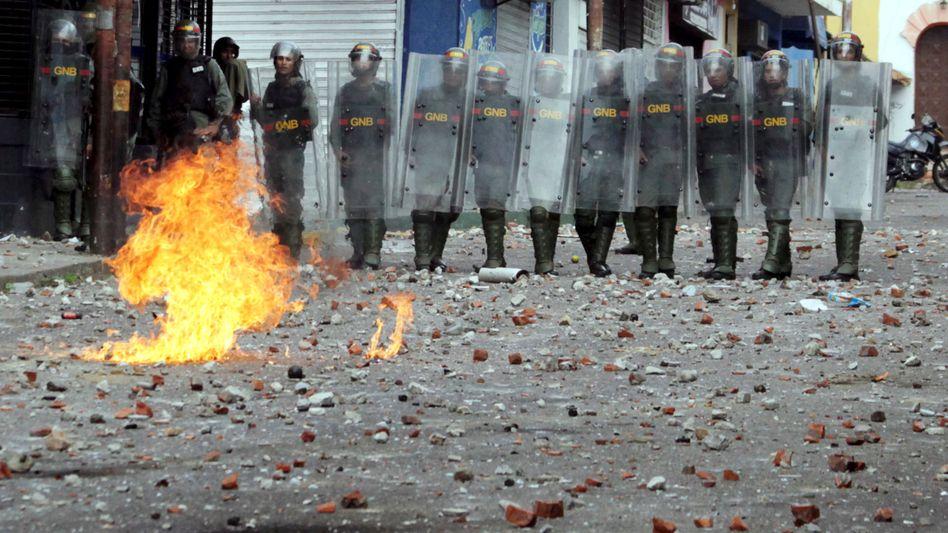 Polizisten in Venezuela