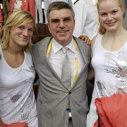 Funktionär Bach (Mitte) und deutsche Judoka: Vielfältige Kontakte