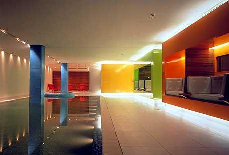 Fröhliche Farben sollen im Spa-Bereich des Side-Hotels für sommerliche Stimmung sorgen