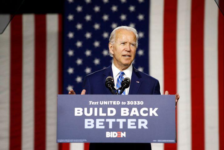Herausforderer Joe Biden kann sich in den Umfragen über einen deutlichen Vorsprung gegenüber Amtsinhaber Donald Trump freuen