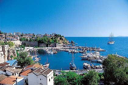 Hafen von Antalya: Bislang wurde die Mittelmeerküste von Anschlägen verschont