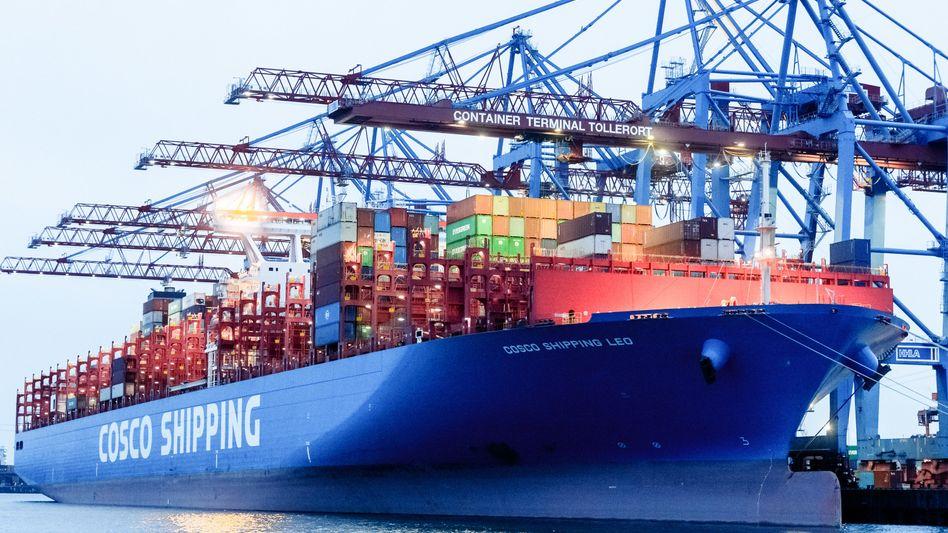 Containerschiff in Hamburger Hafen: Weltbank verlangt entschlossenes Handeln