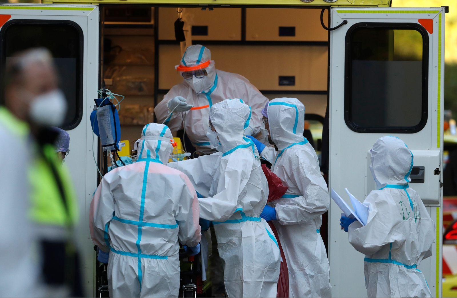 Virus Outbreak Czech One Million Cases