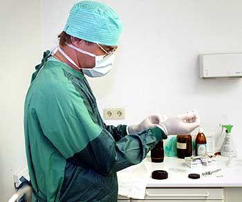 Fördert die Rechtschreib-Reform Kranken-Stationen mit Fach-Ärzten für Strich-Süchtige?
