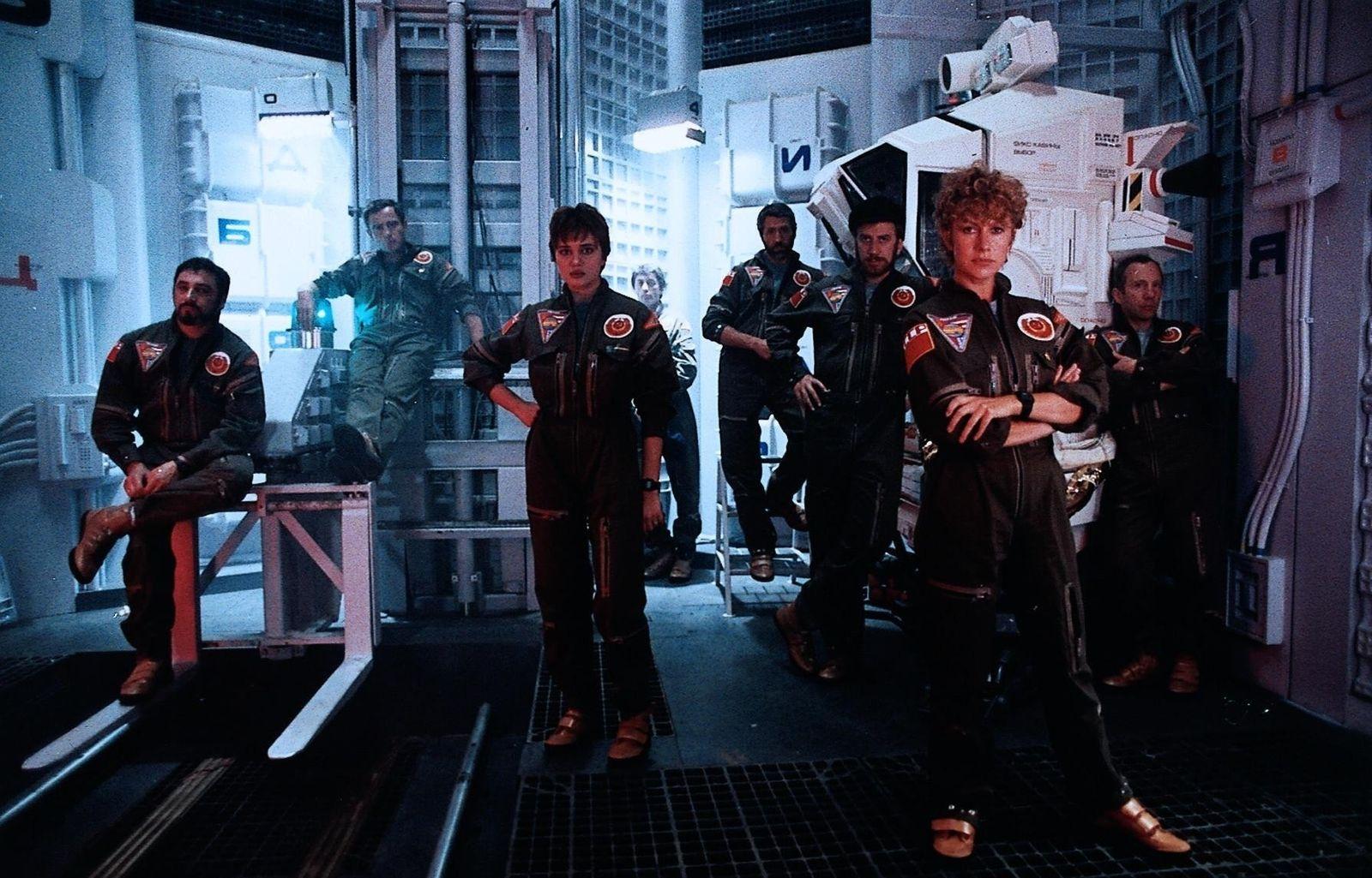 2010 - Das Jahr, in dem wir Kontakt aufnehmen / 2010: Space Odyssey