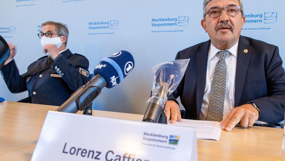 Mecklenburg-Vorpommerns Innenminister Lorenz Caffier am 18.9.2020 bei einer Pressekonferenz