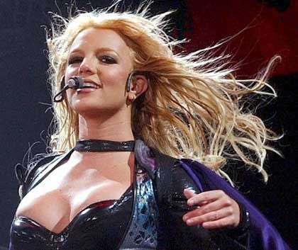 "BMG-Produkt Britney Spears singt künftig für ""Sony BMG"""