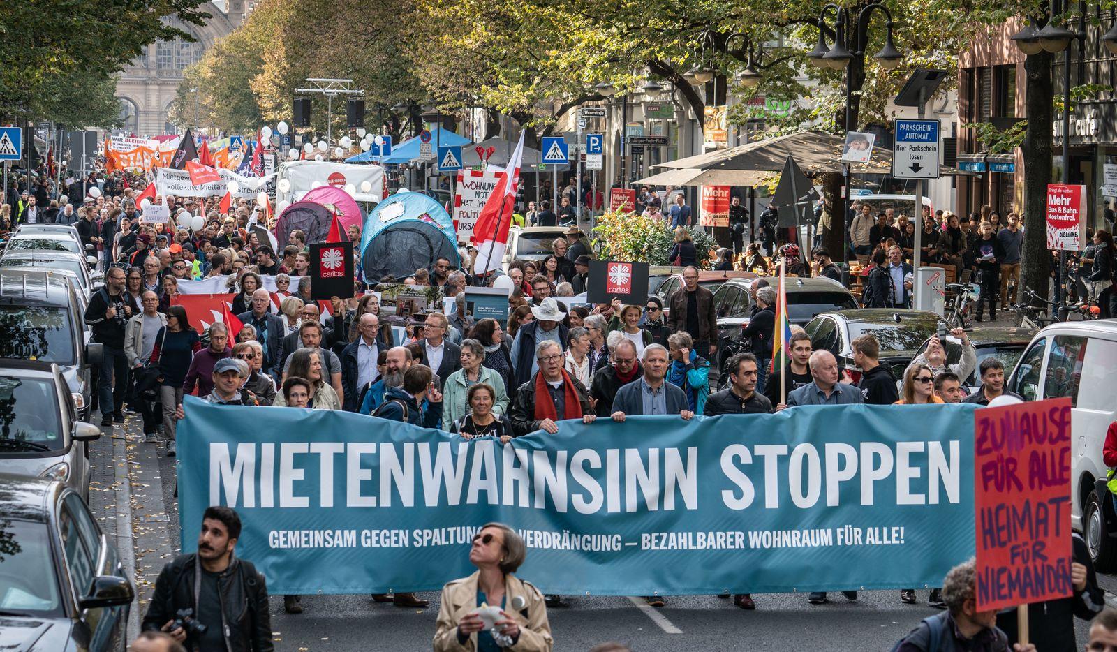 Demonstration für bezahlbaren Wohnraum in Frankfurt/Main