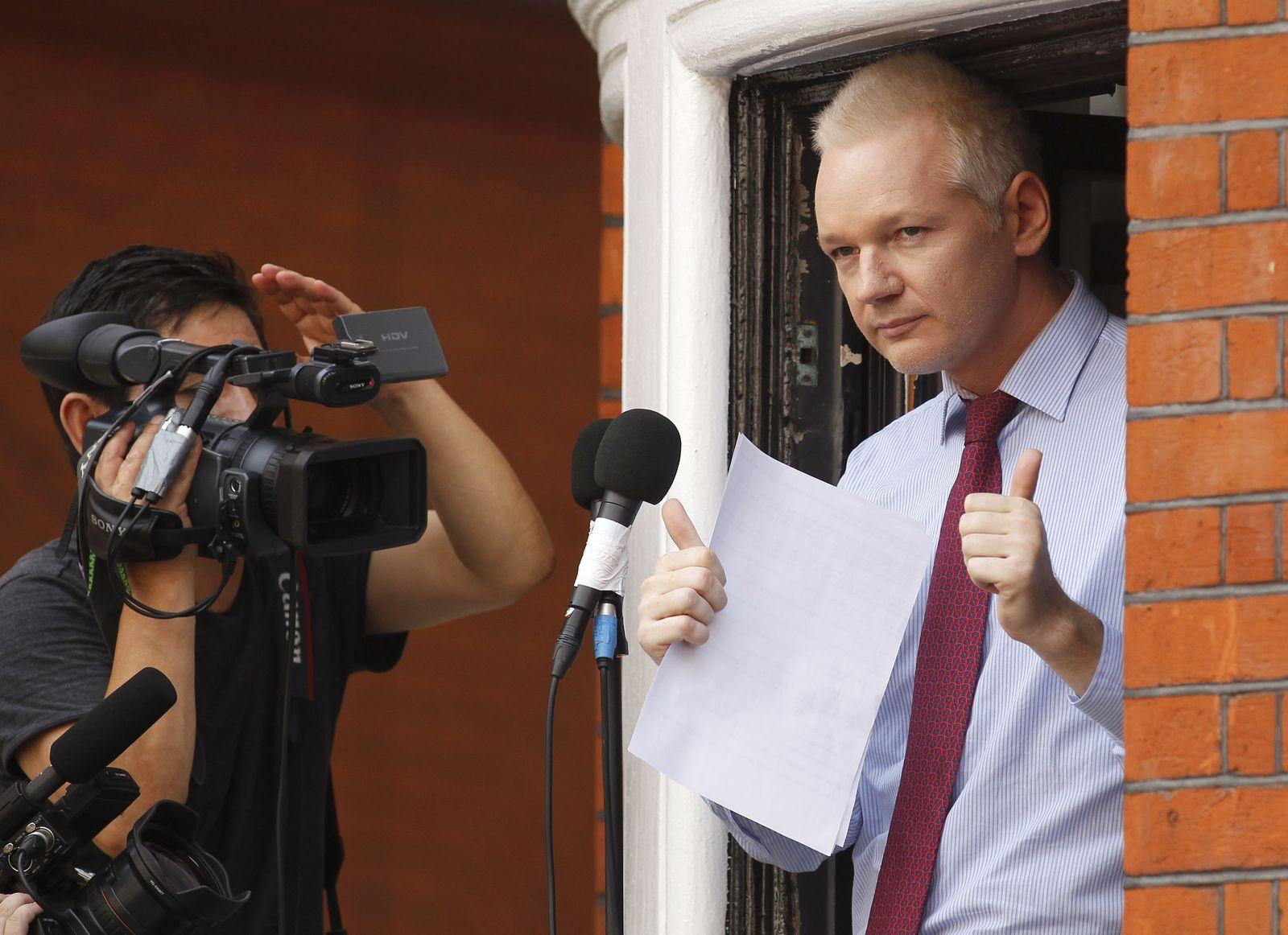 Assange / Botschaft Ecuador / Balkon