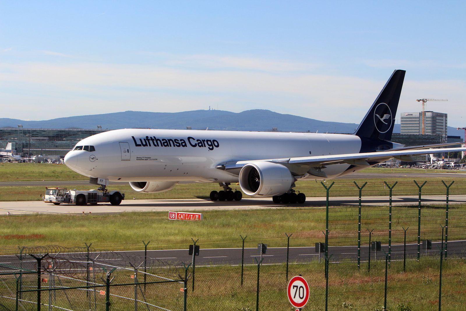 EINMALIGE VERWENDUNG Lufthansa Cargo