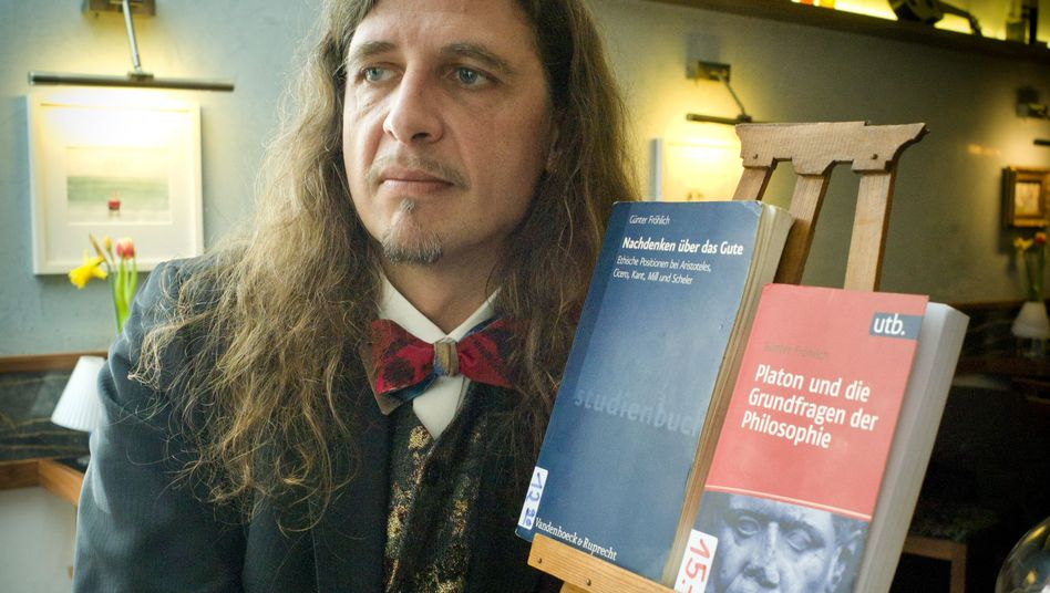 Günter Fröhlich arbeitet als Dozent und Barista
