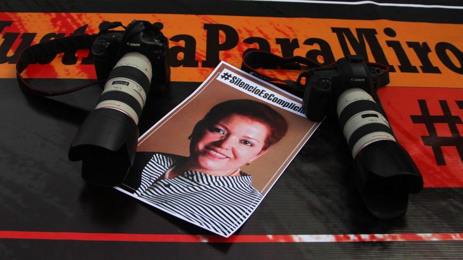 Mahnwache für Miroslava Breach: Die Journalistin wurde hingerichtet, weil sie einem Drogenkartell zu gefährlich wurde