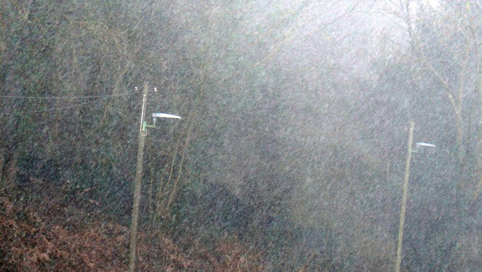 Starkregen in Nordrhein-Westfalen (Archiv): Auch am Sonntag ist mit ungemütlichem Wetter zu rechnen