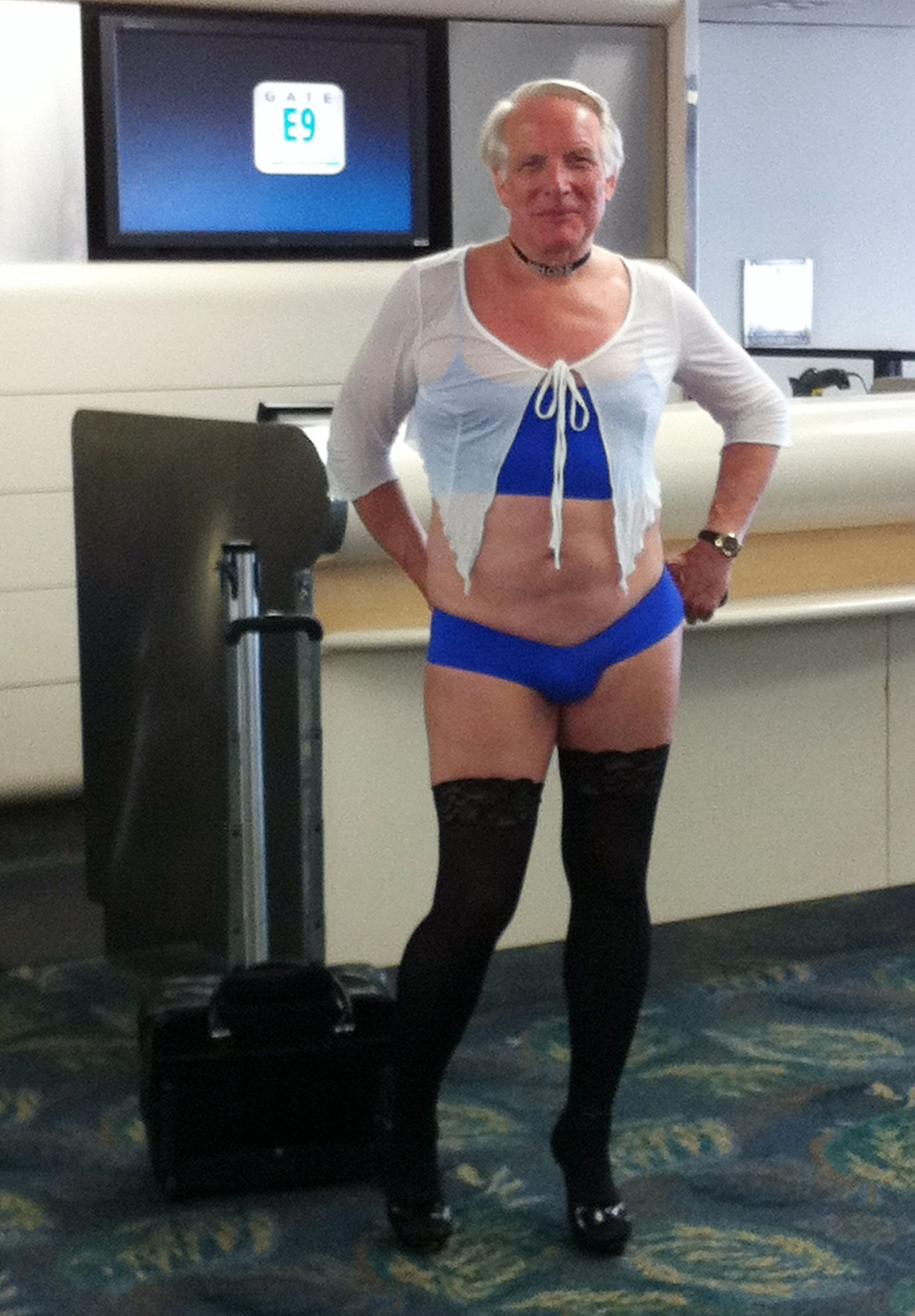 US Airways/ Mann in Frauenkleidung