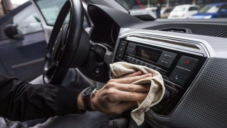 Die meisten Carsharing-Unternehmen reinigen die Autoinnenräume in der Coronakrise häufiger