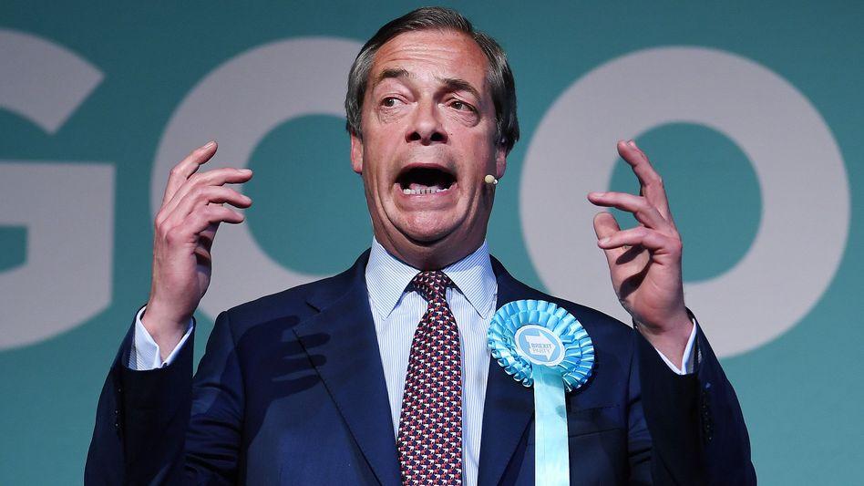 Nigel Farage: In den Umfragen vorn, durch Medienberichte unter Druck