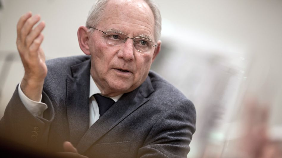Bundesfinanzminister Wolfgang Schäuble (Archivbild): Keine Steuererhöhungen und keine neuen Schulden