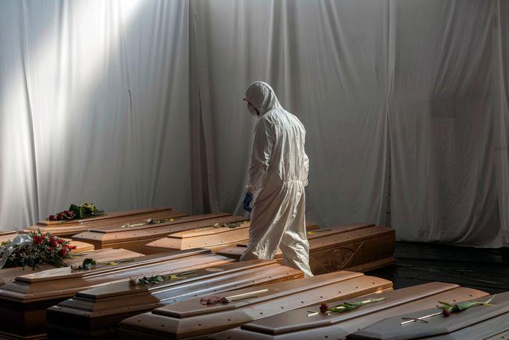 Coronatote in Italien: Wurden zu Beginn der Pandemie gemachte Fehler vertuscht?