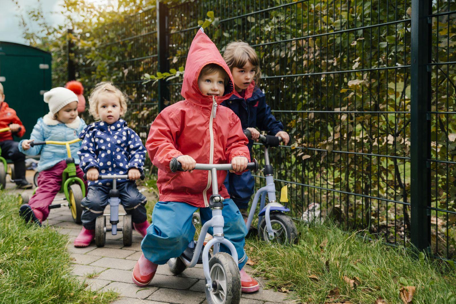 EINMALIGE VERWENDUNG Kindergarten/ Kinder