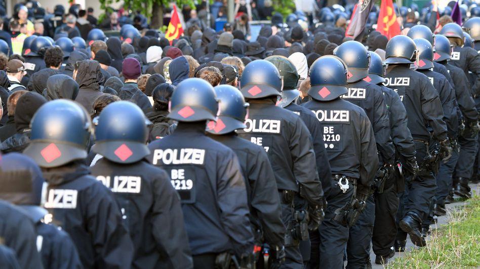 Berliner Bereitschaftspolizisten am 1. Mai 2019: Die Hauptstadtpolizisten bekommen häufig Unterstützung aus anderen Ländern