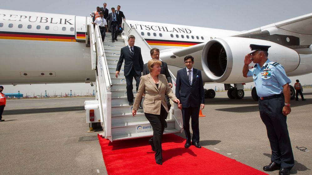 Merkels Pannenflug: Kreise über den Wolken