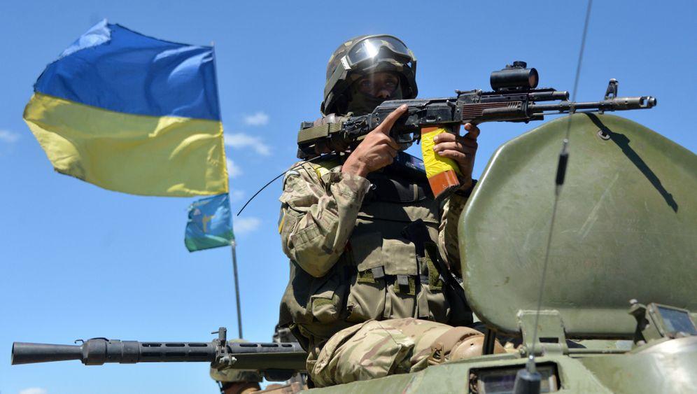 Ukraine: Panzer auf dem Weg in den Osten