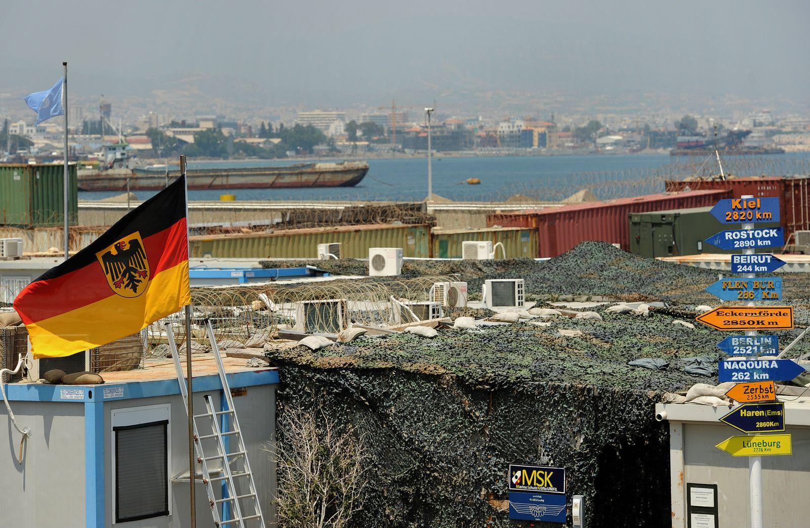 EINMALIGE VERWENDUNG Limassol/ Marinestützpunkt
