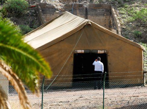 Kaserne auf Gran Canaria: 23 Militärzelte