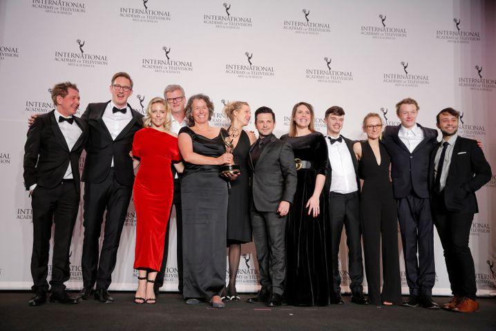 """Cast und Crew von """"Familie Braun"""" bei den International Emmy Awards"""