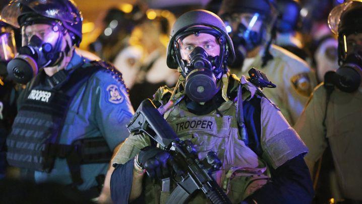"""Schüsse in Ferguson: """"Das Werk von Gewaltverbrechern"""""""