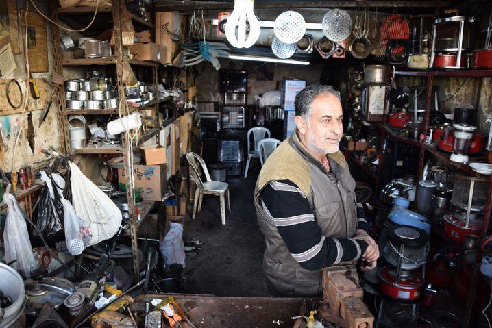 Nasser Mansour in seiner Werkstatt