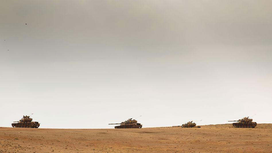 Panzer an der türkisch-syrischen Grenze: Wir würden 50.000 bis 60.000 Soldaten ins Land schicken müssen