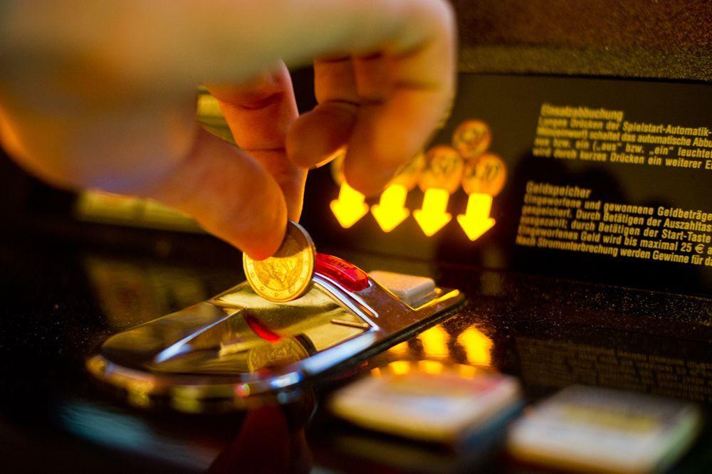 Spielautomaten / Spielsucht / Glücksspiel