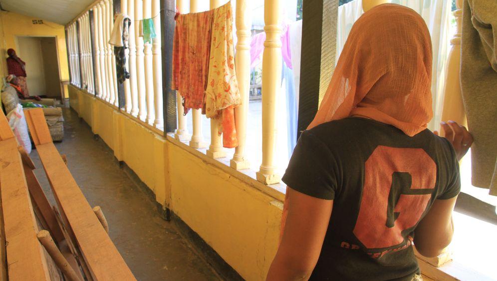 Tansania: Vergewaltigungsopfer musste Polizeiwache putzen