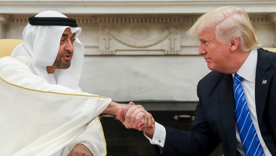 Mohammed bin Zayed und Donald Trump 2017 bei einem Treffen im Weißen Haus