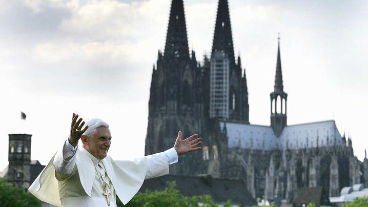 """Muslime in Köln: """"Ihr seid allein, wir sind zusammen"""""""