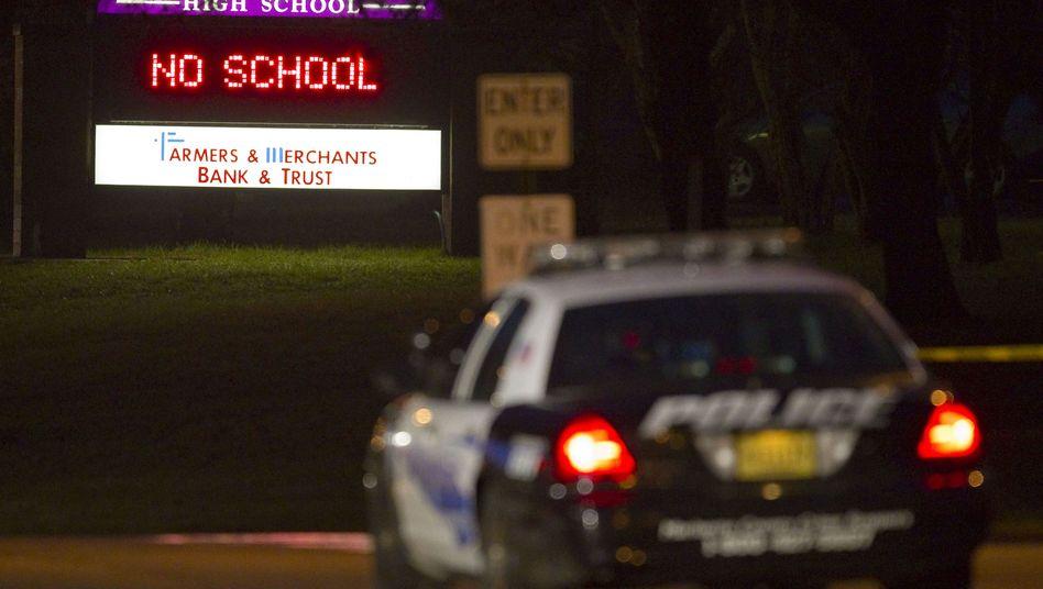 Polizei an der Marinette High School: 15-jähriger Geiselnehmer erschoss sich