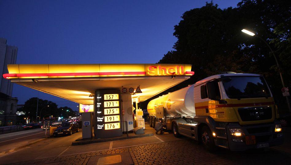 Shell-Tankstelle in Hamburg: Wer abends tankt, kann Geld sparen