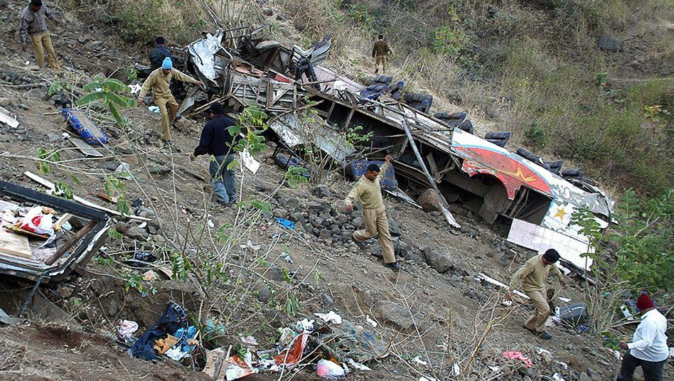 """Busunglück in Indien (Januar 2008): """"Die Ergebnisse machen deutlich, dass wir dringend handeln müssen"""""""