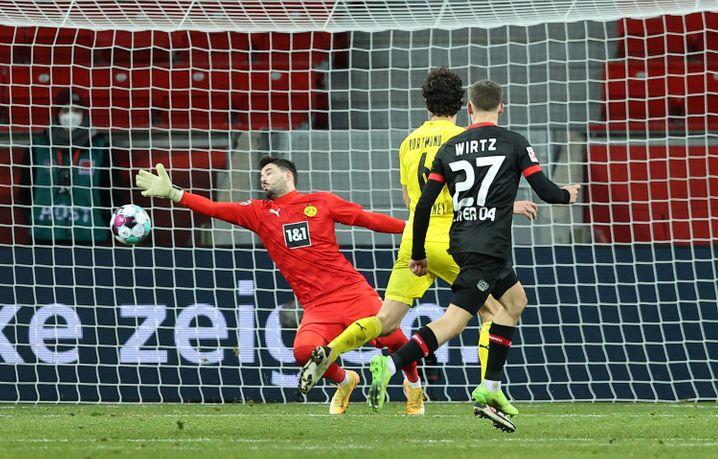 Siegtor: Florian Wirtz (r.) bezwingt BVB-Keeper Roman Bürki